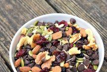 Healthy Snacks / by Rashon Bowman