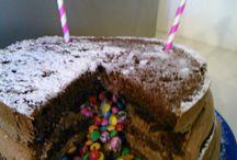 Naked Piñhata  Cake