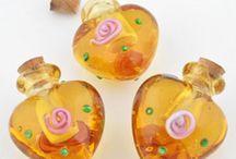 fiole bouteille en verre peinte fournitures loisir creatif creation bijoux