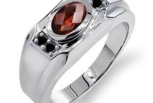 Garnet - New York's gemstone / The Garnet is New York's state gem.
