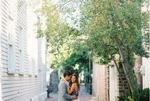 Charleston Engagement Photos / Downtown Charleston engagement photos and wedding photography. Includes engagement pictures of engaged couples in Charleston, SC.