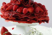 Crepe Cakes / I love crepes and these beautiful creations you can make with crepes. This board is all about crepe cakes
