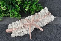 Wedding Garter / by Topwedding