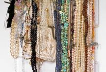 Jewellery Storage / We need to organize our jewellery and this is our inspiration! www.makeitfakeitbakeit.com