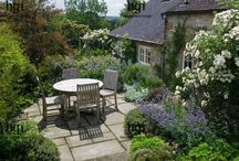 Garden dining places