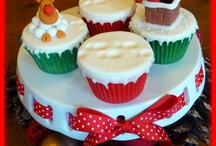 Christmas cakes, cupcakes and cookies / by Carrieanne Williams