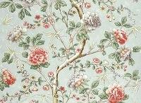 Chinoserie Wallpapers / A collection of chinoiserie wallpapers and wallcoverings #chinoiserie wallpapers