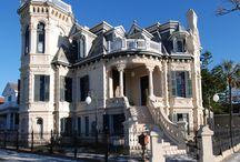Wonderful houses / by Jayne Huggins Cummings
