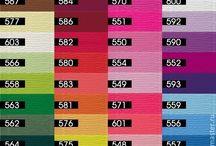 Krepový papír extra silný / Krepový papír od italské firmy Cartotecnica Roosi je pružný, hustě řasený a díky tomu velmi roztažitelný a dobře tvarovatelný, pevný a proto je idaální k výrobě květin z papíru a květinových dekorací . Lze využít na ozdobné balení kytic a dárků, výrobě bonboniérových kytic, svatební dekorace a pod.. Tento materiál je nově v prodeji v E-shopu http://atelier-monika.cz/