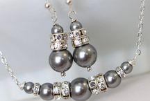 gargantilla perlas grises