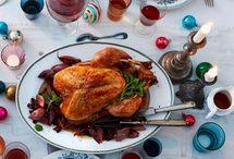 Traditionelles Weihnachtsessen / Der Tisch ist festlich gedeckt und ein wunderbarer Duft liegt in der Luft. Wir haben Rezepte für ein köstliches Weihnachtsmenü: Es gibt Vorspeisen, Hauptgänge und Desserts zum freien Kombinieren für ein Weihnachtsmenü ganz nach eurem Geschmack.