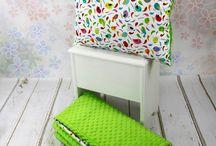 Zestawy: kocyk + poduszka / Komplet składający się z kocyka i poduszki minky i kolorowej bawełny