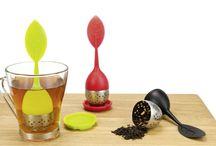 Para la hora del té / Llegó la hora del té! Nunca fue más entretenido preparar una fresca infusión de té que con el porta té Twiggy. Cuando termines sólo toma la hoja de silicona y repósala sobre su recipiente. Una cosa fácil y limpia.