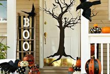 Halloween Decor / by Desiree Tolle Forwoodson