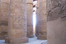 Escenarios / Columnas en templo egipcio