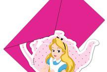 Alice nel Paese delle Meraviglie - Festa a Tema / Piatti, bicchieri, tovaglioli, festoni e molte altre decorazione per una festa a tema Alice in Wonderland!