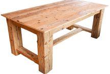 Stůl / Masivní veliký stůl pro 6 osob ze starých smrkových trámů a prošlapaných podlahových prken. Rozměry 1050x2100