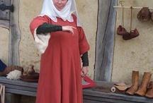 Re-enacting: 14th Century