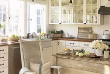 Kitchens / We have searched the internet for kitchens with a vintage feel and pinned a few of our our favourites.