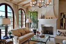 Beverly Hills Traditional / Living Room