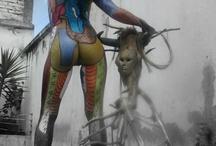 """Nelson Villacís Venegas / La Casa de la Cultura Ecuatoriana (CCE) presentará el jueves 28 de febrero el libro Cuando el lienzo es la piel, del pintor y poeta Nelson Villacís. El acto se realizará en la sala Benjamín Carrión de la CCE (Av. 6 de Diciembre), a las 19:00.   El libro incluye una serie de fotografías del trabajo pictórico que realiza Villacís sobre el cuerpo femenino, combinado con poemas de su propia autoría. La piel de las modelos también sirve como una """"hoja en b"""