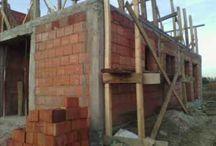 Constructii Case Deva Hunedoara / Va punem la dispozitie si cateva firme de executie si amenajari interioare cu experienta in domeniu -realizare sapatura fundatii -cofrare fundatii -fasonare grinzi din fier -realizare cofrag cuzineti si elevatie -turnare beton in fundatii -turnare beton in elevatii -vibrare beton -turnare beton manual -turnare beton cu pompa -cofrare stalpi -cofrare, armare si turnare placa de beton armat