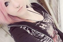 Piercings/Tattoos/Frisuren