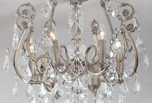 Chandeliers! And gorgeous lighting / by Cassandra Ericson