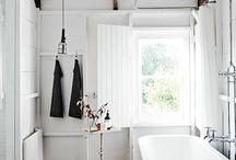 Clean / Bathrooms