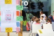 """Warsztaty """"Tektura i architektura"""" w Dobrotece / W sobotę 5 września w Dobrotece odbyły się warsztaty dla dzieci i nie tylko, podczas których budowano kolorowe miasto z kartonów."""