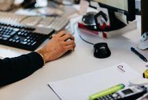 ARTISAN / L'artigianalità industrializzata Penta Systems Artisan è la divisione dedicata alle lavorazioni più elaborate e di pregio. Specializzati nelle lavorazioni per l'allestimento di ambienti di lusso e arredo per negozi di alta gamma, forniamo un servizio diretto ai Contract che operano per Brand e Grandi Firme.  Il nostro modo di lavorare si può definire Artigianalità industrializzata. Artigianali sono le nostre conoscenze tecniche e manuali. Industriale è la nostra organizzazione.