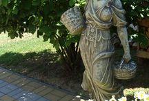 Kerti szobrok, miliők./ Garden, statue. / Kertek szobrok.