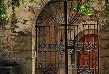 Doors / by Amparo Ramis