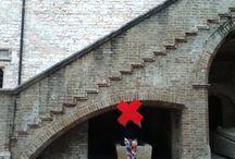 Le X rosse in giro per Foligno / Abbiamo fatto andare in giro per la città di Foligno la nostra X rossa. L'abbiamo immortalata in alcuni dei posti più belli del centro storico della cittadina umbra e questo è il risultato-