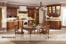Gloria / Представляем вашему вниманию нашу новинку: кухня Gloria — эксклюзивная модель из массива черешни, выполненная в классическом стиле. Элегантные высокие колонны, резные карнизы с коричневой патиной, витражные стекла с фирменным узором модели, почерк итальянских дизайнеров чувствуется в каждом элементе кухни Gloria.