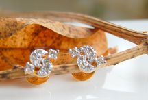 gold diamond studs