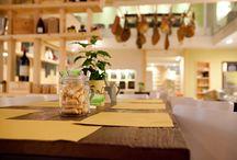 """Il mondo Perbellini / Una piccola """"galassia"""" del gusto. È il mondo-Perbellini ovvero una serie di locali realizzati nel tempo con l'obiettivo di creare una proposta gastronomica multiforme. #CasaPerbellini #AlCapitanDellaCittadella #Locanda4Cuochi #DolceLocanda #DuDeCope #Tapasotto"""
