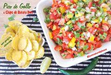 """Pico de Gallo & Chips de Batata Doce / Seja com os chips de batata doce, seja na salada, seja sobre um prato de arroz com feijão preto, este Pico de Gallo """"está muy rico""""! Vegan, sem glúten, sem gordura adicionada."""