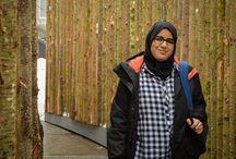"""""""Humans of NΔM"""" (H15) / Les Nu Delta Mu ont le plaisir de vous présenter leur joli projet pour le rush d'hiver 2015 : une version """"sororité"""" de Humans of New York. Chaque jour jusqu'à la fin du recrutement, nous vous proposons une petite anecdote, racontée par l'une de nos sœurs, avec une magnifique illustration de notre photographe Sarah."""
