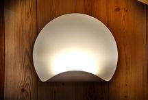 LIGHT / Che siano punti luce semplici o lampade di Design l'illuminazione gioca un ruolo fondamentale nell'arredamento di uno spazio, MOBARTBEN progetta tutta l'illuminazione della casa.