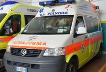 Ambulanze e mezzi servizi sociali / Mezzi in uso presso la Pubblica di Pianoro adibiti all'emergenza 118 e trasporti nei servizi sociali