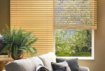 wood ventian blinds