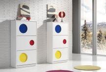 MEUBLES À CHAUSSURES / Une sélection très variée de meubles à chaussures en bois. Fonctionnalité et design dans un article très pratique.
