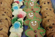 It's Going To Be Cold This Weekend, Let's Bake Something! / This is Tony's page of gluttony...WE MEAN... Christmas cookie ideas.  Repin away and share your faves too!