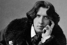 Oscar Wilde (1854-1900) / Ο Όσκαρ Ουάιλντ γεννήθηκε το 1854... Αν και ήταν παντρεμένος και πατέρας δύο παιδιών, το 1895 κατηγορήθηκε για ομοφυλοφιλία, για τις στενές σχέσεις του με το νεαρό ομότεχνό του Άλφρεντ Ντάγκλας και οδηγήθηκε στο δικαστήριο, όπου καταδικάσθηκε σε δύο χρόνια καταναγκαστικών έργων (στη Βικτωριανή Αγγλία η ομοφυλοφιλία ήταν ποινικό αδίκημα). Κατά τη διάρκεια της φυλάκισής του έγραψε το δραματικό αυτοβιογραφικό μονόλογο «De Profundis». ΠΗΓΗ: http://www.sansimera.gr/biographies/23#ixzz3trweSbnW