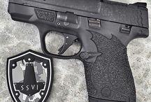 Våpen pistoler/revolver