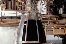 Rocket Engines / Rocket Engines features liquid fuel rocket engines using repellants such as liquid hydrogen, liquid oxygen, methane, nitric Acid, Hydrazine and more. Most famous rocket engines are the Saturn 5 F-1 and the Space Shuttle's SSME.  http://aerospaceguide.net/rocketengines/