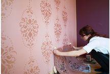 Farebne napady na stenu