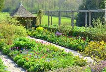 Gardens to see before you die / Best gardens in the world