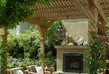 karen tandy outdoors / Exterior structures for outdoor living and entertaining fire places, fire pits, and living and dining rooms.